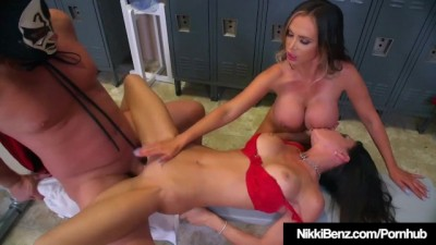 Nikki Benz & Jessica Jaymes Wrestle Mania Threesome!