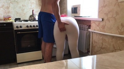 Step-mom was washing and her stepson cheating fucked anal