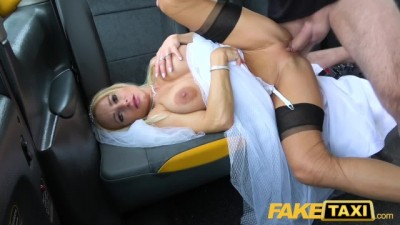 Fake Taxi Sexy Tara Harcore Fuck in Taxı