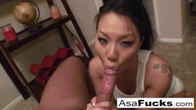 Sexy Asa Akira gives Deep throat Blowjob