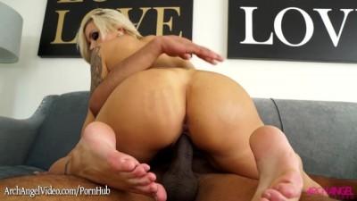 Sexy Big Ass Blonde Nina Elle Sucks Big Black Dick