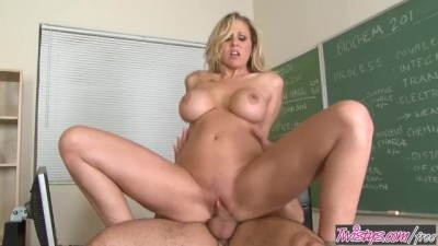 Julia Ann Motivates her Students