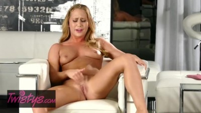 Cute Babe Carter Cruise Shows off her Orgasm Face