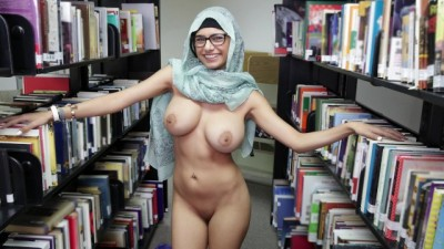Lebanese Queen Removes her Hijab and Clothes in a Library Public