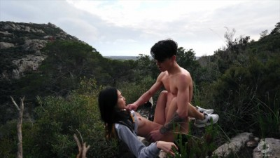 Outdoor Sex While Hiking