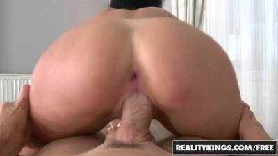 Jessica Swan loves free rent and anal